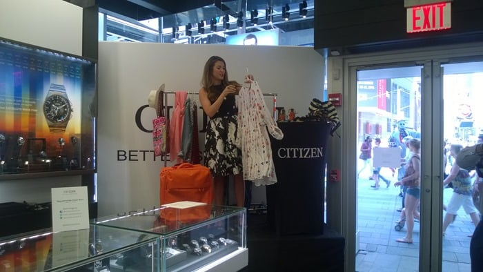 Amber Herring at the Citizen #BetterStartsNow event in Times Square giving some packing tips