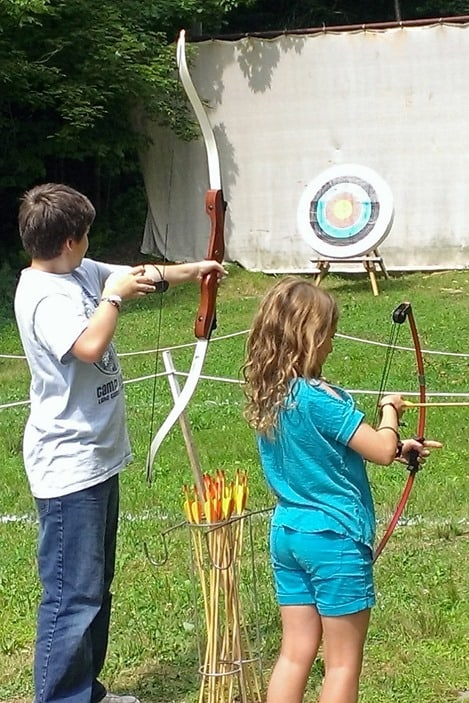 Daddy's Home bows and arrows