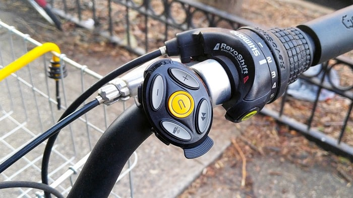 Coros Linx Bluetooth Helmet - bluetooth remote