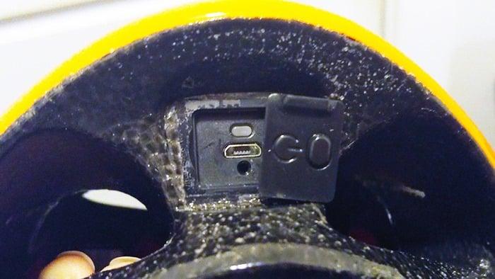 Coros Linx Bluetooth Helmet - charging port