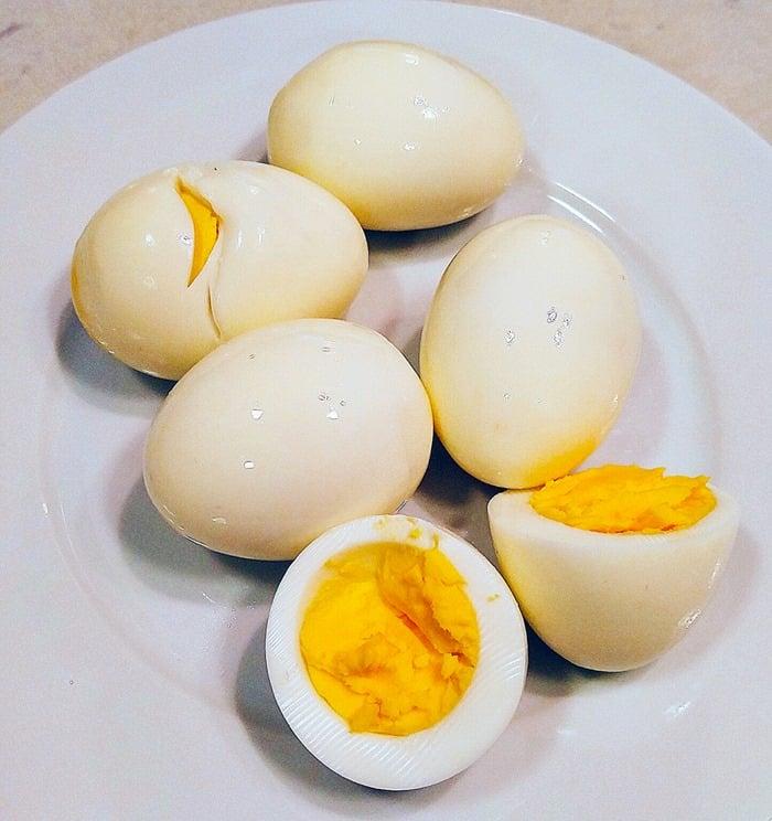 Instant Pot Hard Boiled Egg Recipe - white eggs peeled