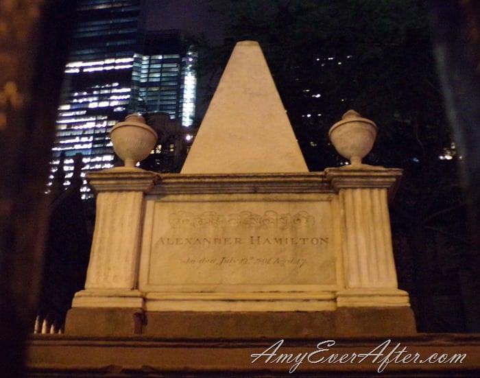 Kodak PIXPRO AZ401 Review - Alexander Hamilton's grave, Trinity Church, NYC