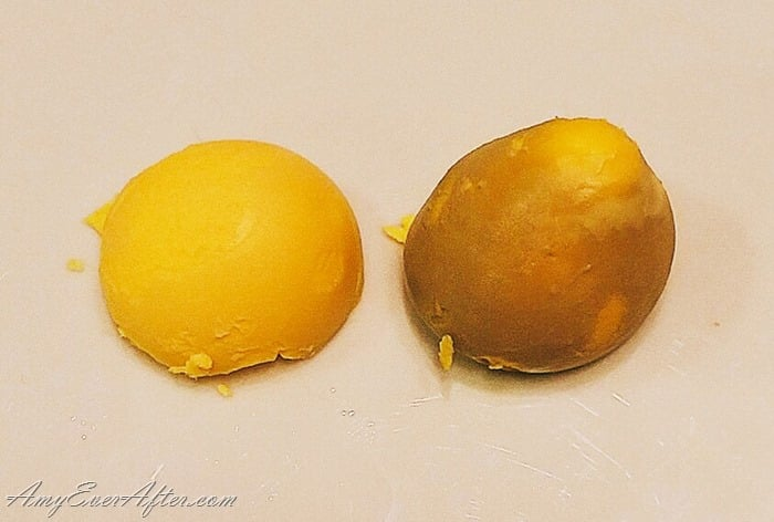 Instant Pot Hard Boiled Eggs - comparing yolks