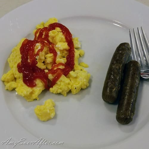 What you can eat on Weight Watchers Freestyle - scrambled eggs and veggie sausage