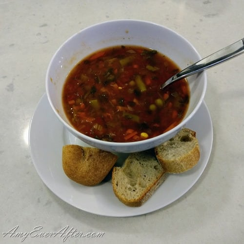 What you can eat on Weight Watchers Freestyle - Amy's Chunky Vegetable Soup with baguette