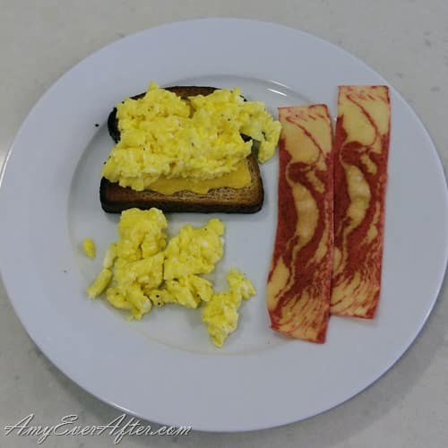 What you can eat on Weight Watchers Freestyle - egg and cheese on toast with veggie bacon