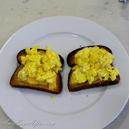 What you can eat on Weight Watchers Freestyle - egg and cheese on toast