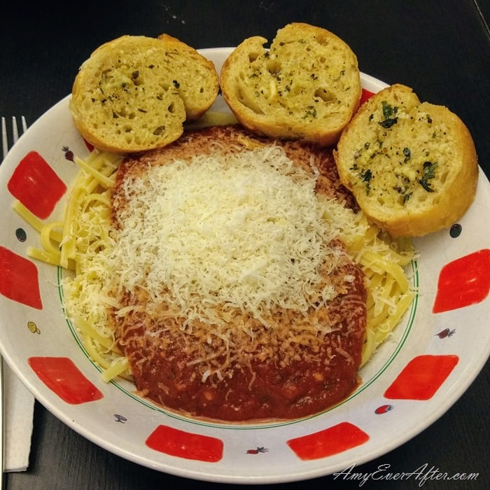 Weight Watchers Freestyle plan - spaghetti with garlic bread