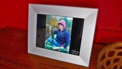 the Nixplay Iris digital picture frame on a table